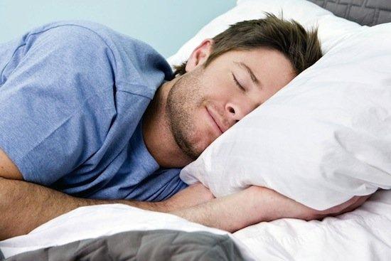 Поза в которой вы спите влияет на кровообращение и дыхание вашего организма.